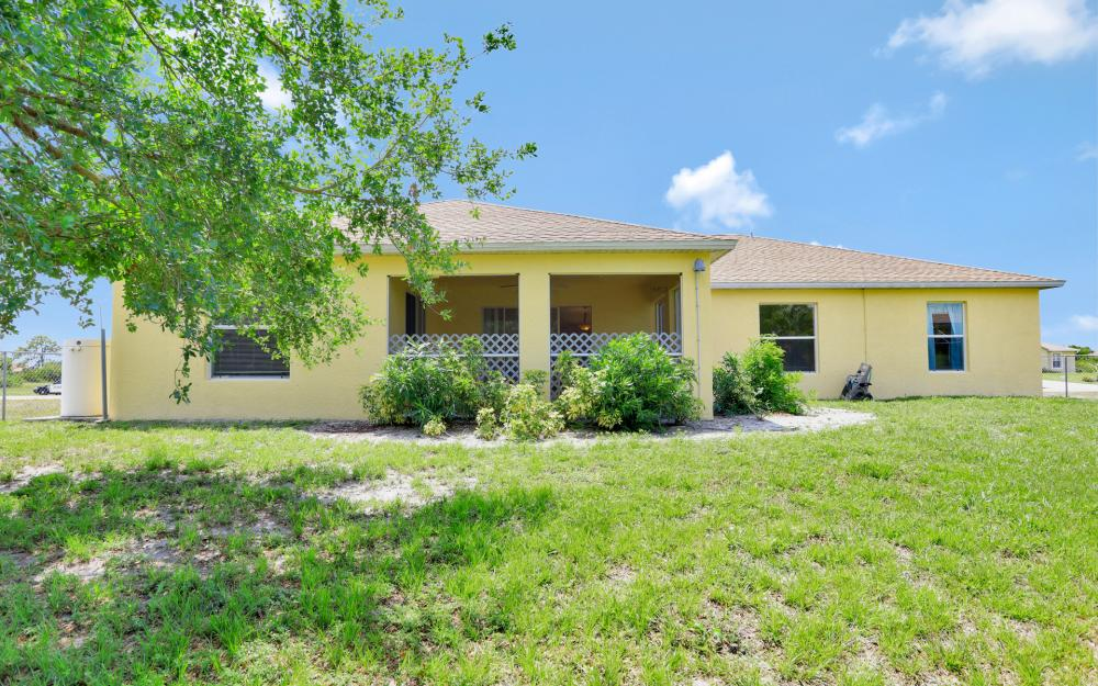 2011 NW 10th Ave, Cape Coral - Home For Sale 1618959909
