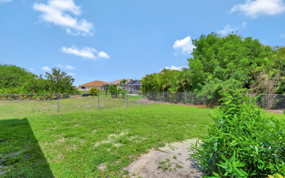 2011 NW 10th Ave, Cape Coral - Home For Sale 450345487