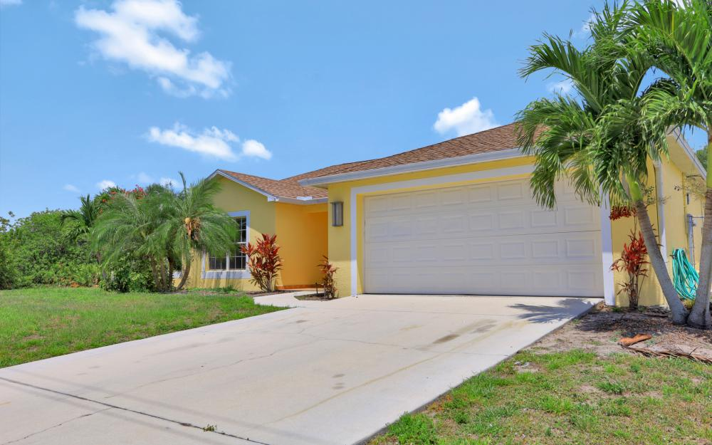 2011 NW 10th Ave, Cape Coral - Home For Sale 225971321