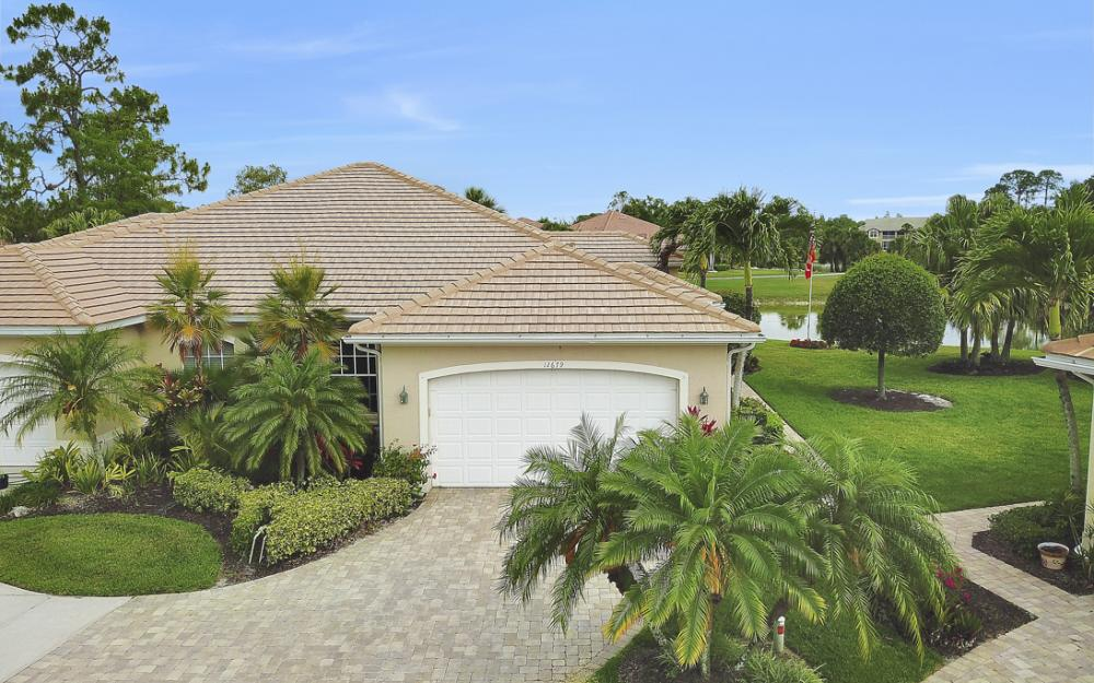 12679 Fox Ridge Dr, Bonita Springs - Home For Sale 743902182