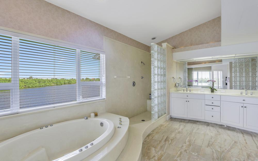 2829 SW 43rd Ln, Cape Coral - Home For Sale 716237214