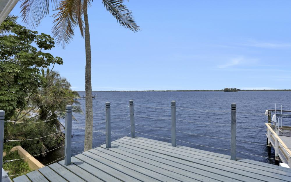 4363 Cypress Ln, Fort Myers - Home For Sale 2107606443