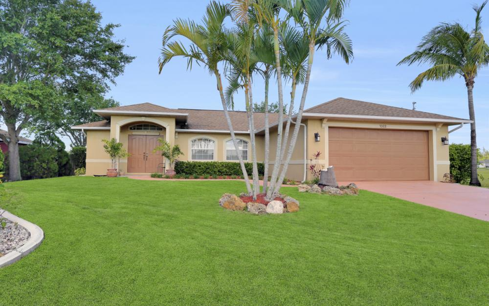 1322 SW 15th Pl Cape Coral - Home For Sale 739143354