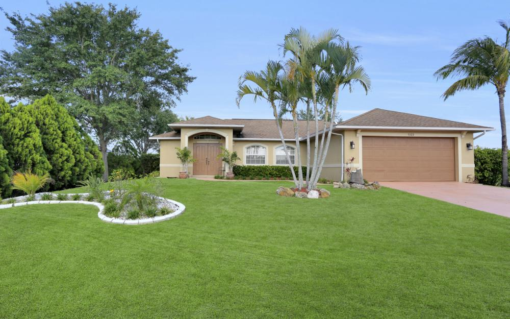 1322 SW 15th Pl Cape Coral - Home For Sale 129605299