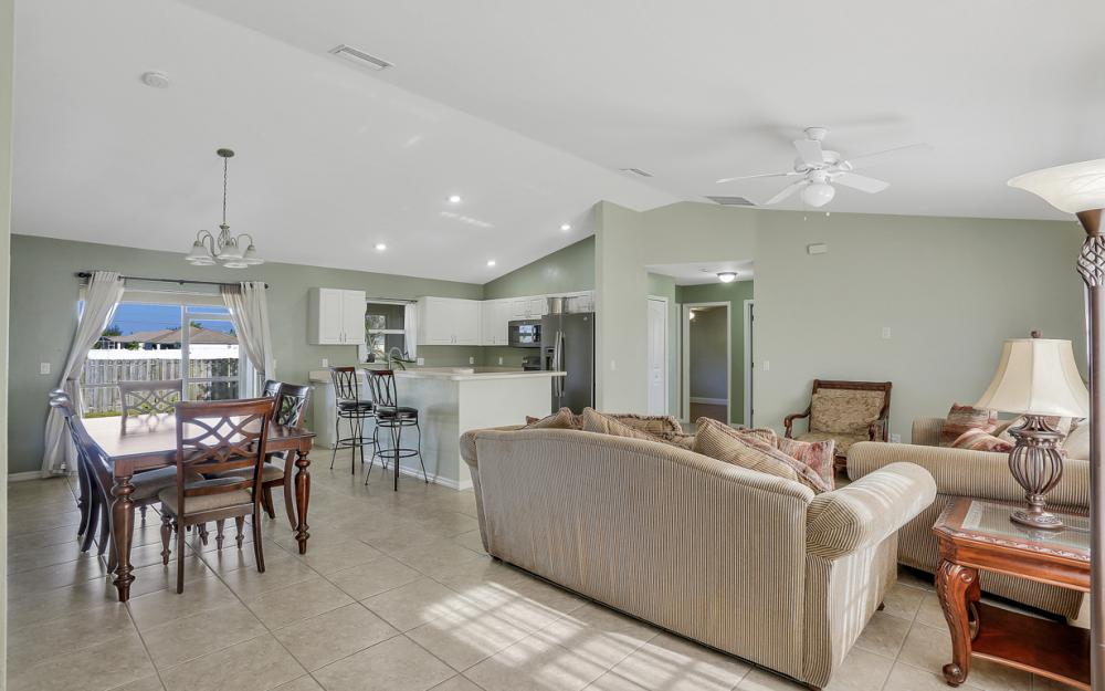 1322 SW 15th Pl Cape Coral - Home For Sale 1860932353