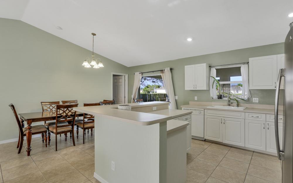 1322 SW 15th Pl Cape Coral - Home For Sale 1615855102