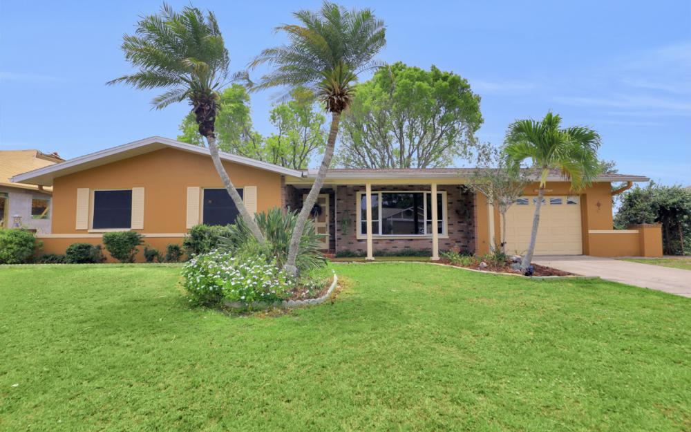 1308 SE 3rd St, Cape Coral - Home For Sale 1450745370