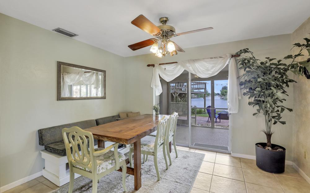 1308 SE 3rd St, Cape Coral - Home For Sale 386724526
