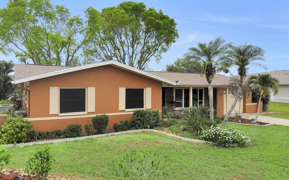 1308 SE 3rd St, Cape Coral - Home For Sale 587739428