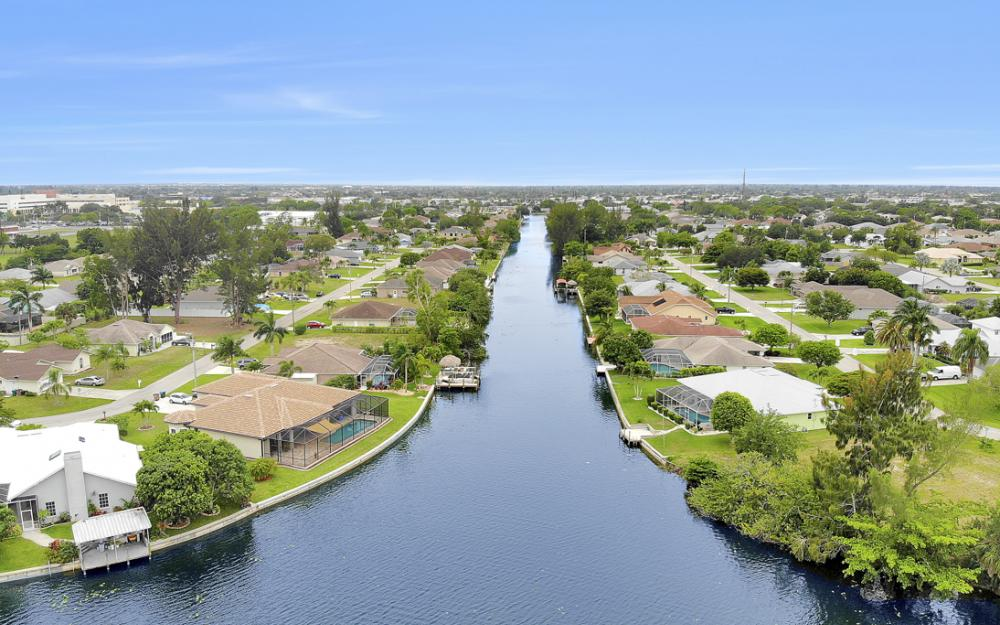 1308 SE 3rd St, Cape Coral - Home For Sale 1018749619