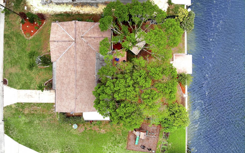 1308 SE 3rd St, Cape Coral - Home For Sale 532247185