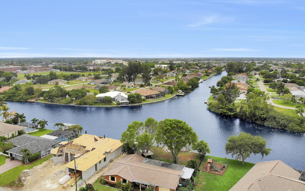 1308 SE 3rd St, Cape Coral - Home For Sale 1513215371