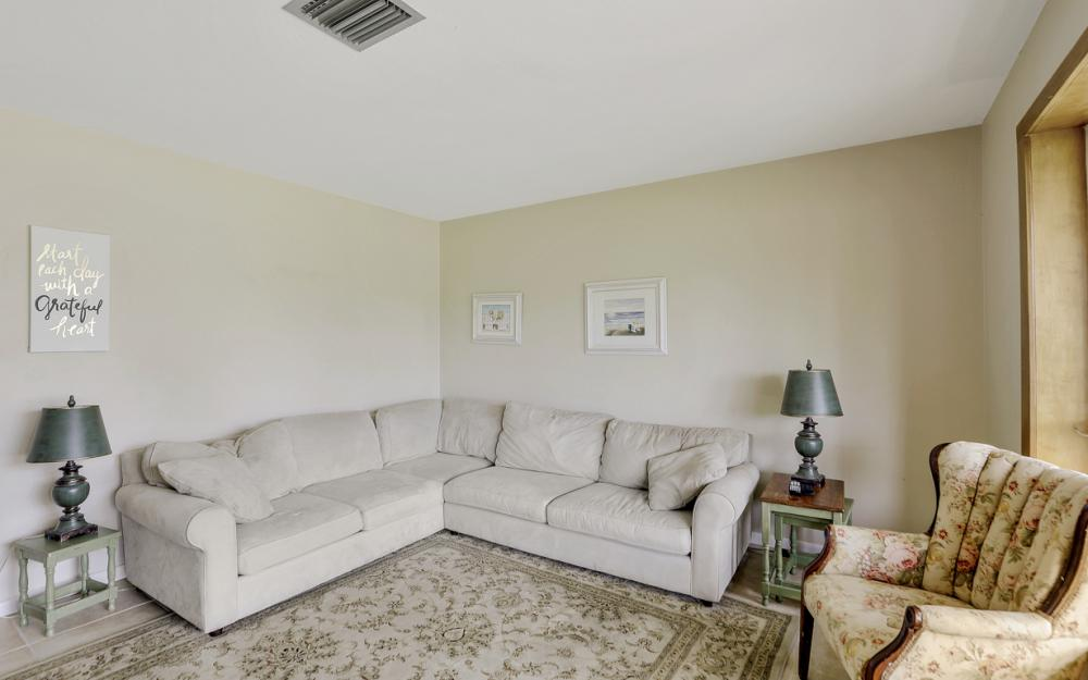 1308 SE 3rd St, Cape Coral - Home For Sale 328066477