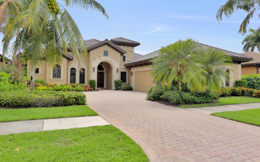 8926 Shenendoah Cir, Naples - Vacation Rental 28332622
