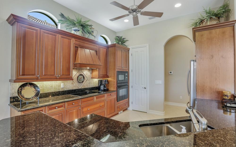 8926 Shenendoah Cir, Naples - Vacation Rental 2055369260