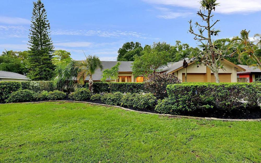 8471 Yorkshire Ln, Fort Myers - House For Sale 845102100