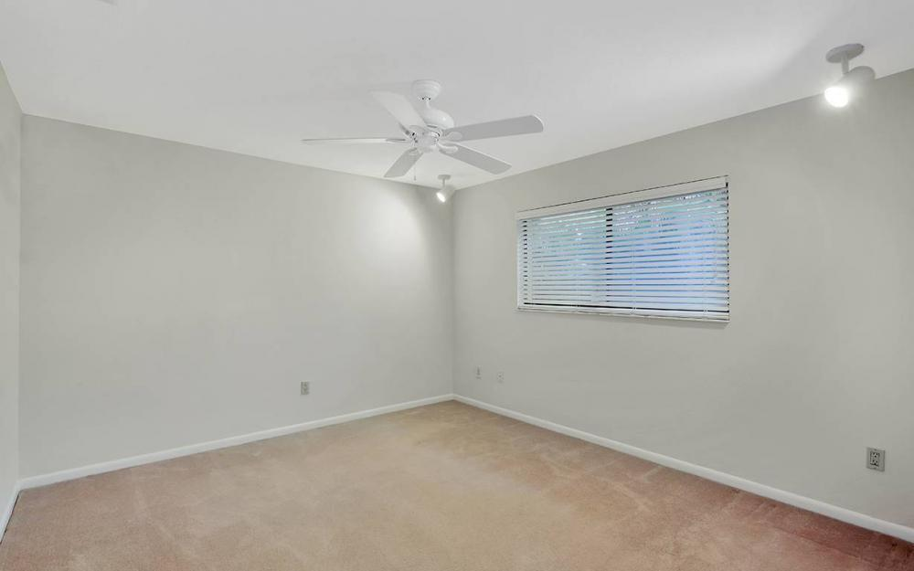 8471 Yorkshire Ln, Fort Myers - House For Sale 2067918262