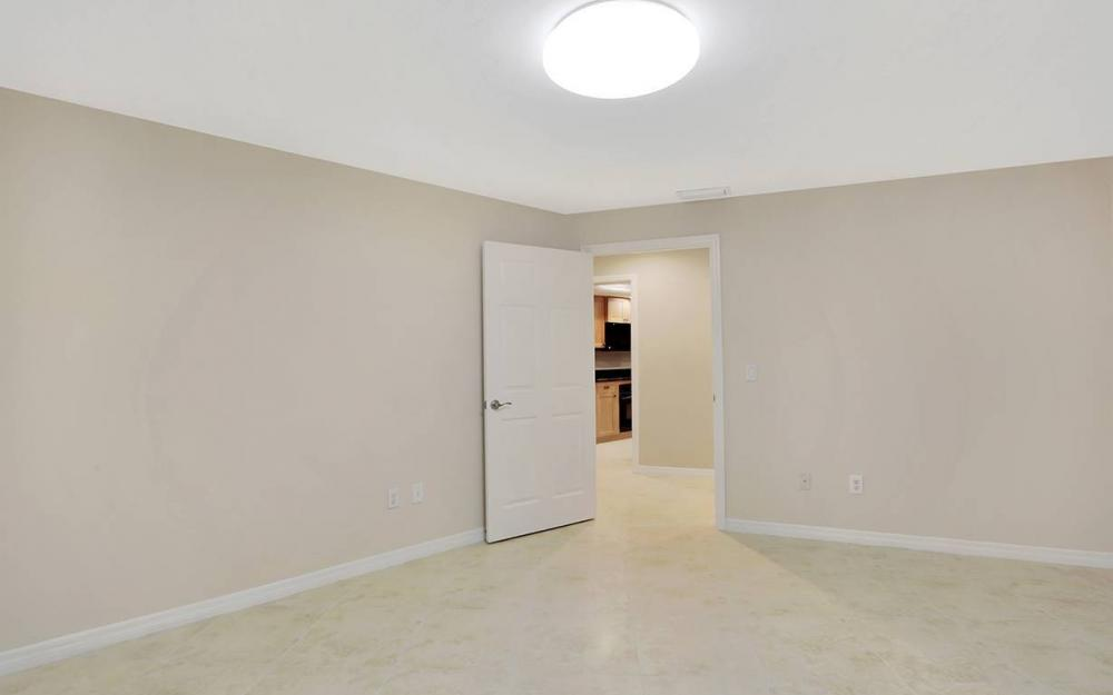 8471 Yorkshire Ln, Fort Myers - House For Sale 703495419