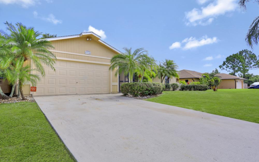 3318 15th St W, Lehigh Acres - Home For Sale 2044968742