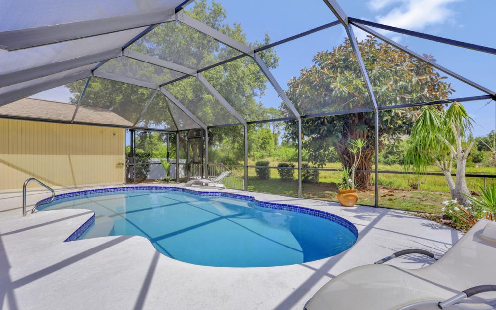 3318 15th St W, Lehigh Acres - Home For Sale 1075414203