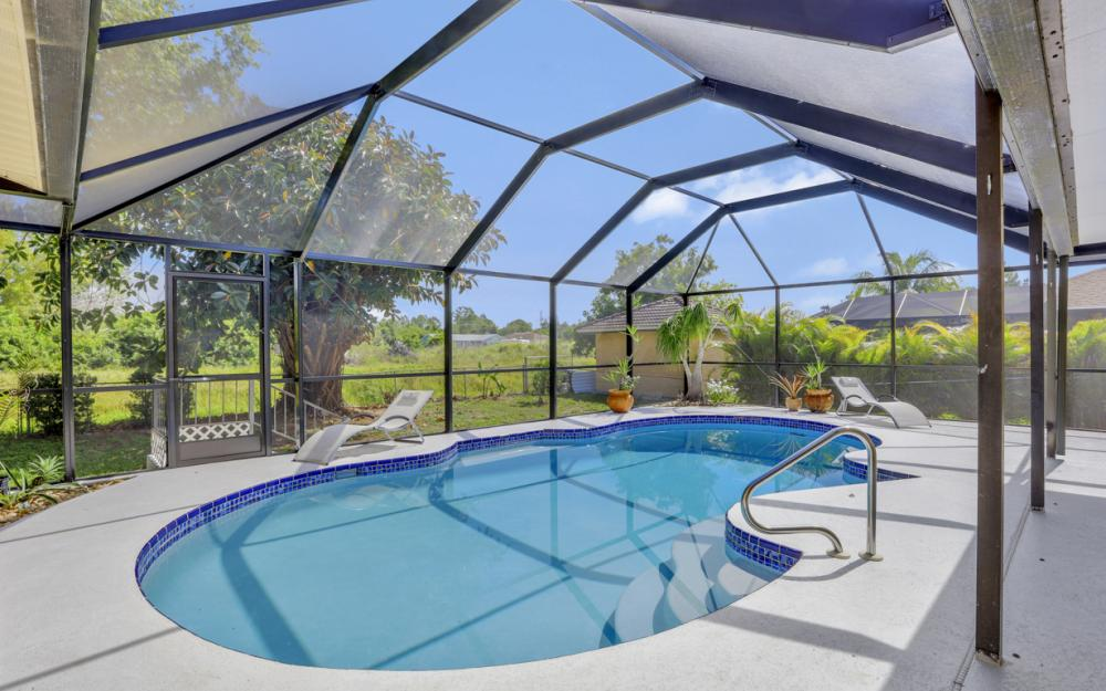 3318 15th St W, Lehigh Acres - Home For Sale 712107639
