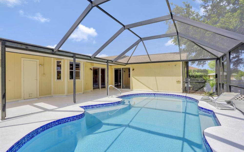 3318 15th St W, Lehigh Acres - Home For Sale 2110847459