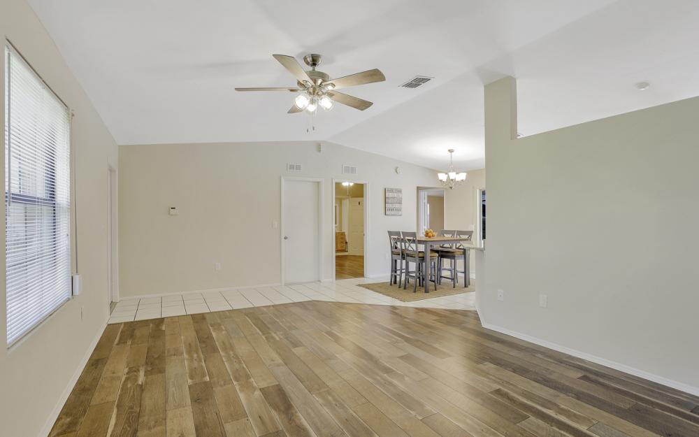 3318 15th St W, Lehigh Acres - Home For Sale 920132707