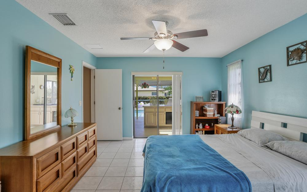 1423 SE 33rd St, Cape Coral - Home For Sale 446259132