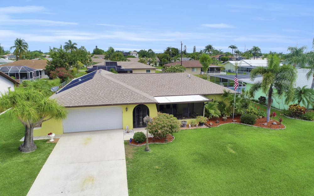 1423 SE 33rd St, Cape Coral - Home For Sale 251015836