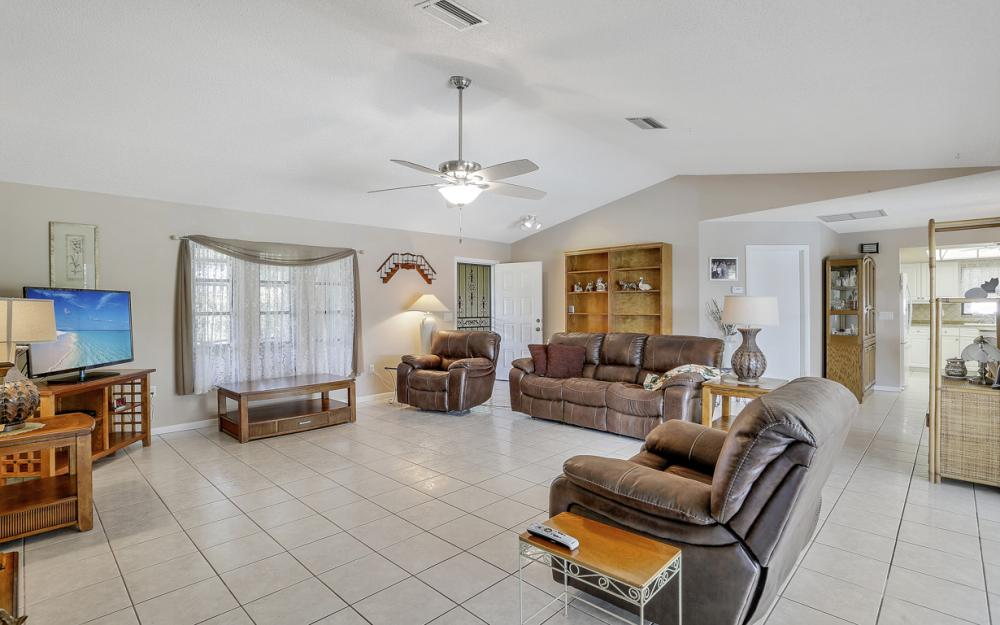 1423 SE 33rd St, Cape Coral - Home For Sale 418266914