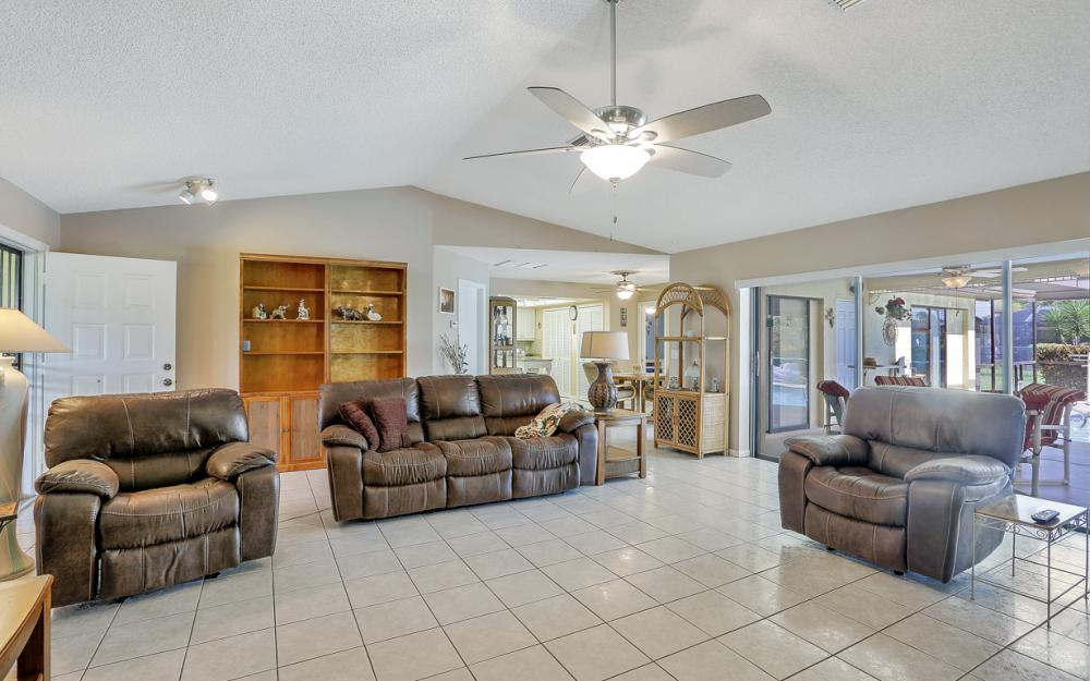 1423 SE 33rd St, Cape Coral - Home For Sale 702012240
