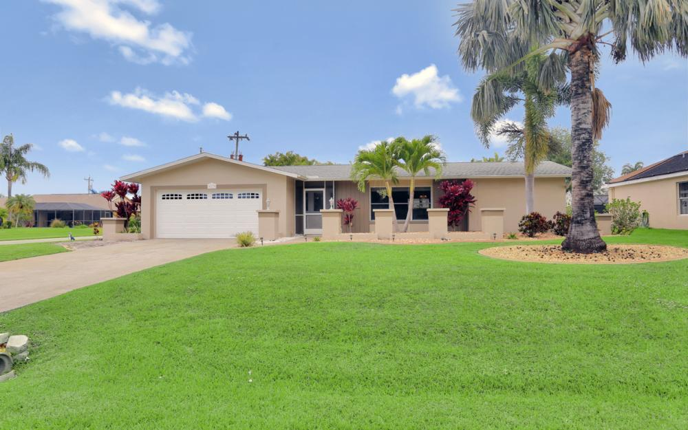 913 SW 52nd St Cape Coral - Home For Sale 704363379