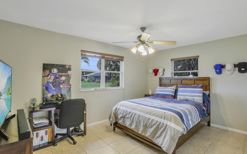 913 SW 52nd St Cape Coral - Home For Sale 1063863420