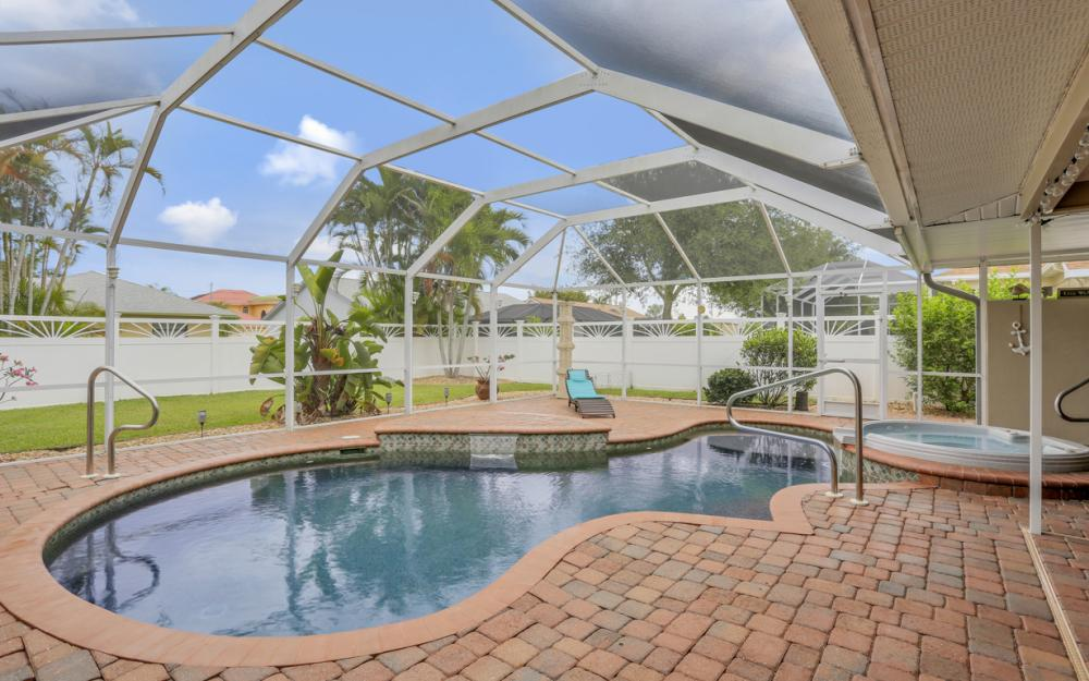 913 SW 52nd St Cape Coral - Home For Sale 1197999932