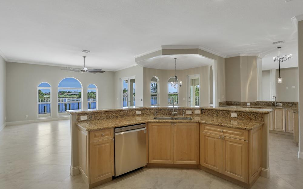4110 NW 33rd Ln, Cape Coral - Home For Sale 55568333