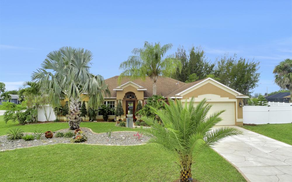 1504 SW 32nd Terrace, Cape Coral - Home For Sale 951641999