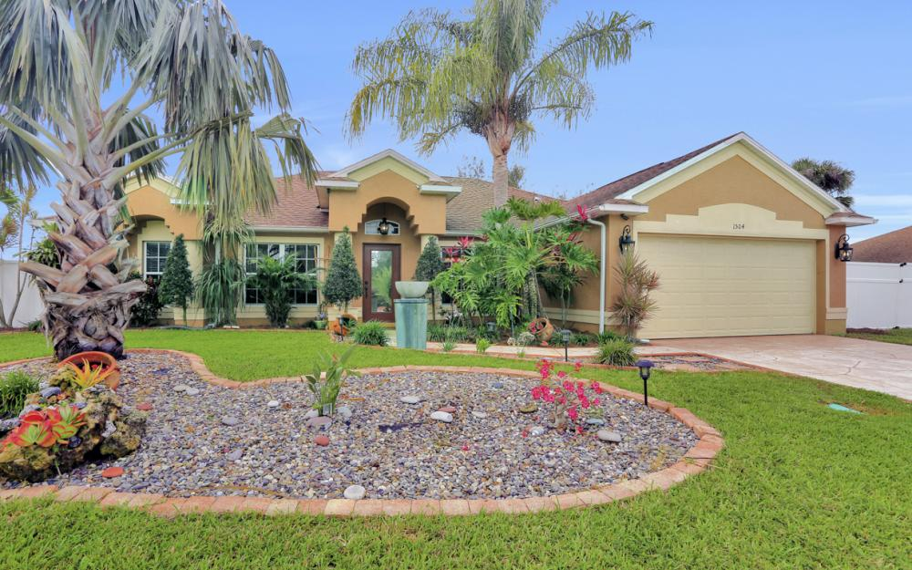 1504 SW 32nd Terrace, Cape Coral - Home For Sale 822744162