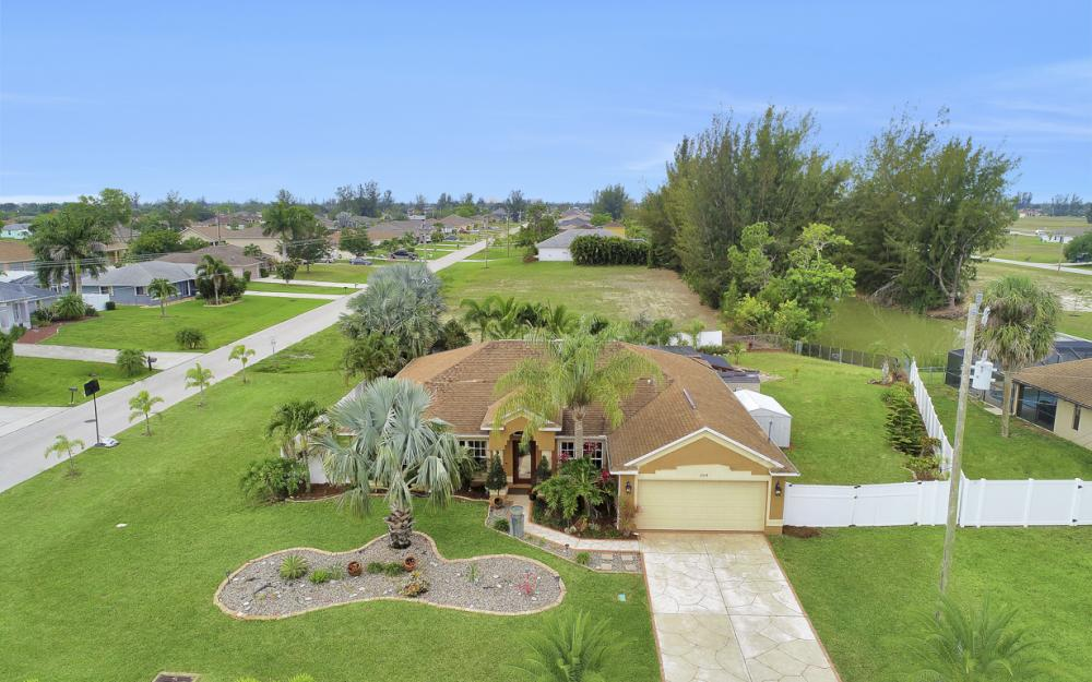 1504 SW 32nd Terrace, Cape Coral - Home For Sale 495680598