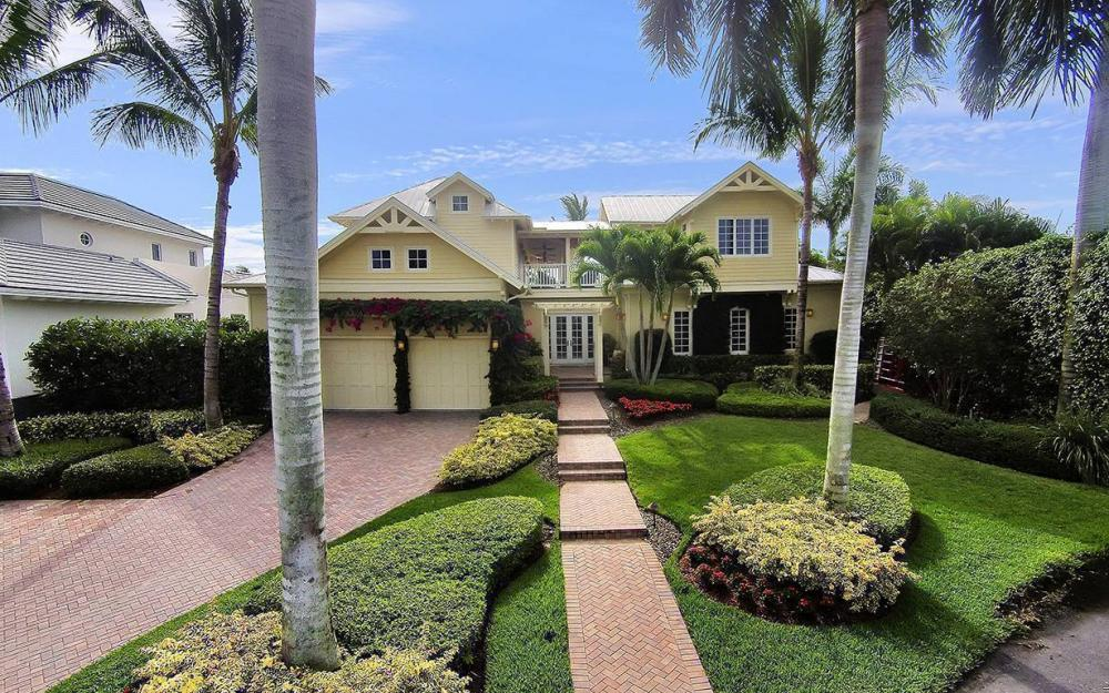 2025 6th St S, Naples - House For Sale 840995560