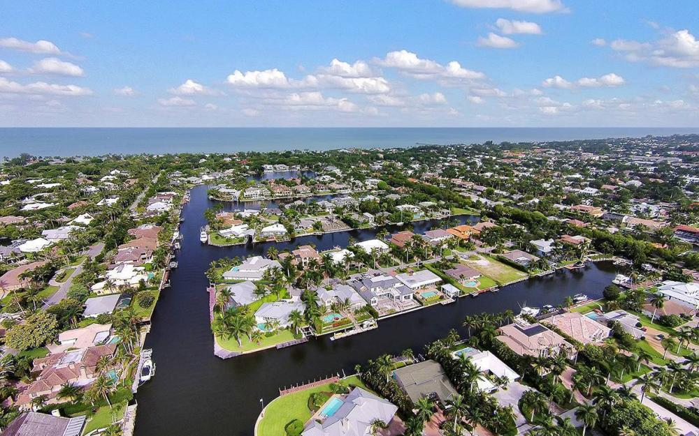 2025 6th St S, Naples - House For Sale 398475531