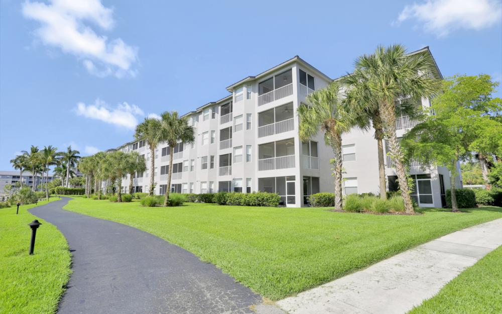 16685 Lake Circle Dr #1012, Fort Myers - Condo For Sale 1786498925