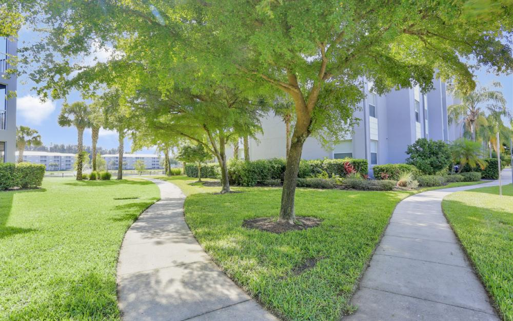 16685 Lake Circle Dr #1012, Fort Myers - Condo For Sale 809188366