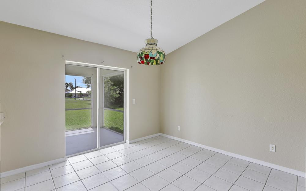 3927 SW 1st Ave, Cape Coral - Home For Sale 1408982002