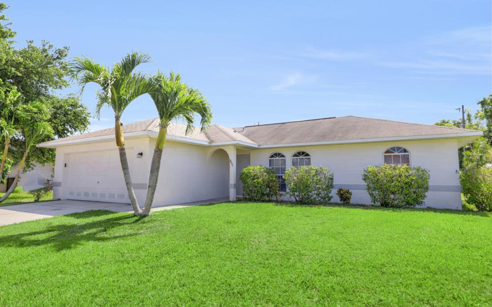 3927 SW 1st Ave, Cape Coral - Home For Sale 1379925972