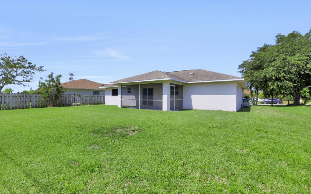 3927 SW 1st Ave, Cape Coral - Home For Sale 594766641