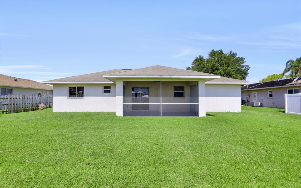 3927 SW 1st Ave, Cape Coral - Home For Sale 713231238