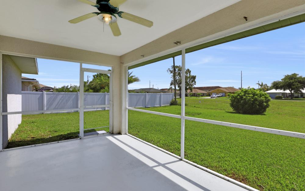 3927 SW 1st Ave, Cape Coral - Home For Sale 1793108489