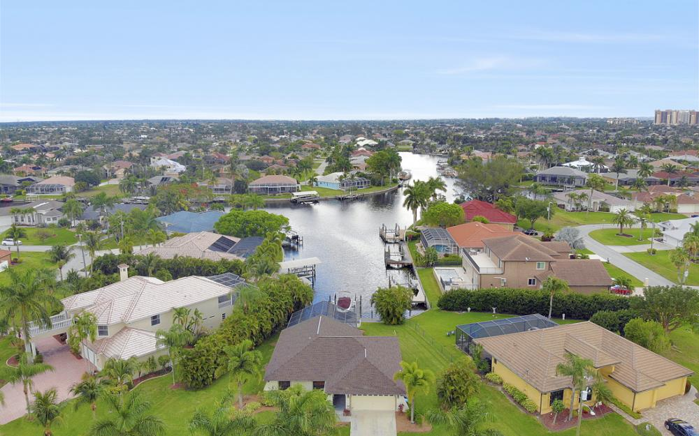5237 SW 24th Ave, Cape Coral - Home For Sale 529072603