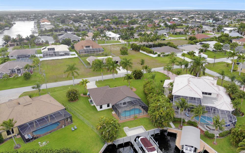 5237 SW 24th Ave, Cape Coral - Home For Sale 1383893850