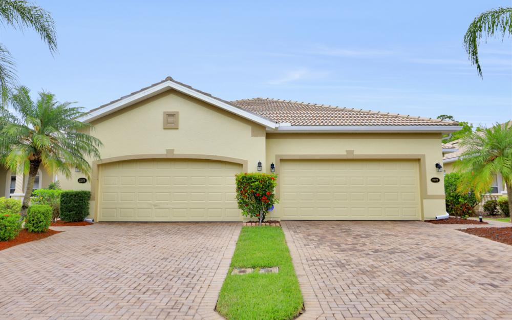 21072 Cosenza Ct, Estero - Home For Sale 1740104836